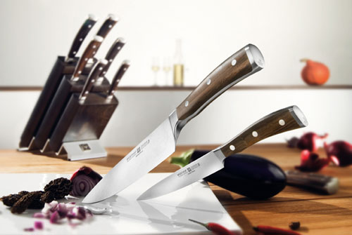 The mother of all knives. It makes me weep.
