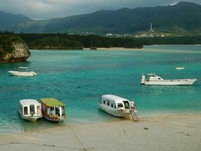 kabira-bay-beach-ishigaky-okinawa